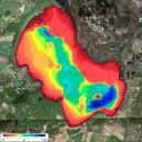 Olika färg åskådliggör snabbt en sjös varierande vattendjup.
